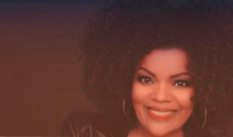 """Yvette Nicole Brown Tells Us Why """"Teachers Are the Unsung Heroes"""""""
